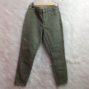 MOSSIMO olive green crops.